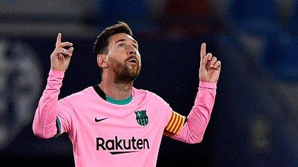 El acrobático gol tijera de Messi con el que el Barcelona abrió el marcador ante Levante