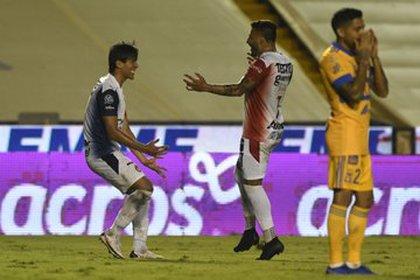 A esta baja se le suma la del goleador José Juan Macías, quien presentó una lesión muscular en el semitendinoso izquierdo (Foto: Twitter/ @Chivas)
