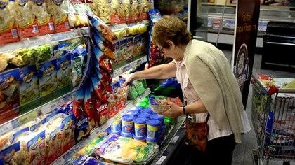 La suba de los alimentos este año reflejó la devaluación acumulada (Bloomberg)