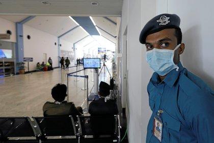 Los nueve pacientes se enmarcan en la actual definición de caso sospechoso establecida por la Organización Mundial de la Salud (REUTERS/Dinuka Liyanawatte)