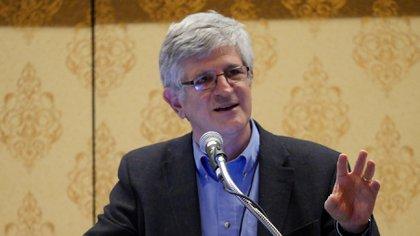 Paul A. Offit es el director del Centro de Educación sobre Vacunas del Children's Hospital of Philadelphia y experto reconocido internacionalmente en virología e inmunología