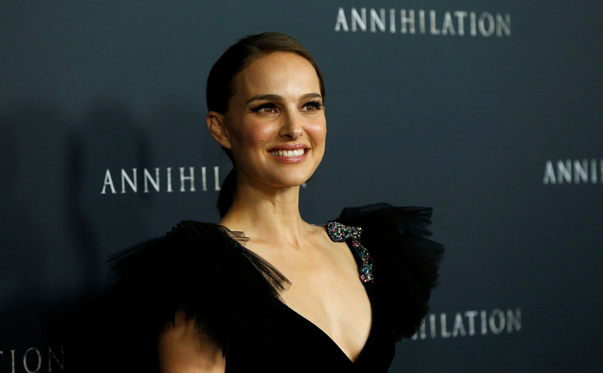 """Cast member Natalie Portman poses at the premiere for """"Annihilation"""" in Los Angeles, California, U.S., February 13, 2018. REUTERS/Mario Anzuoni"""