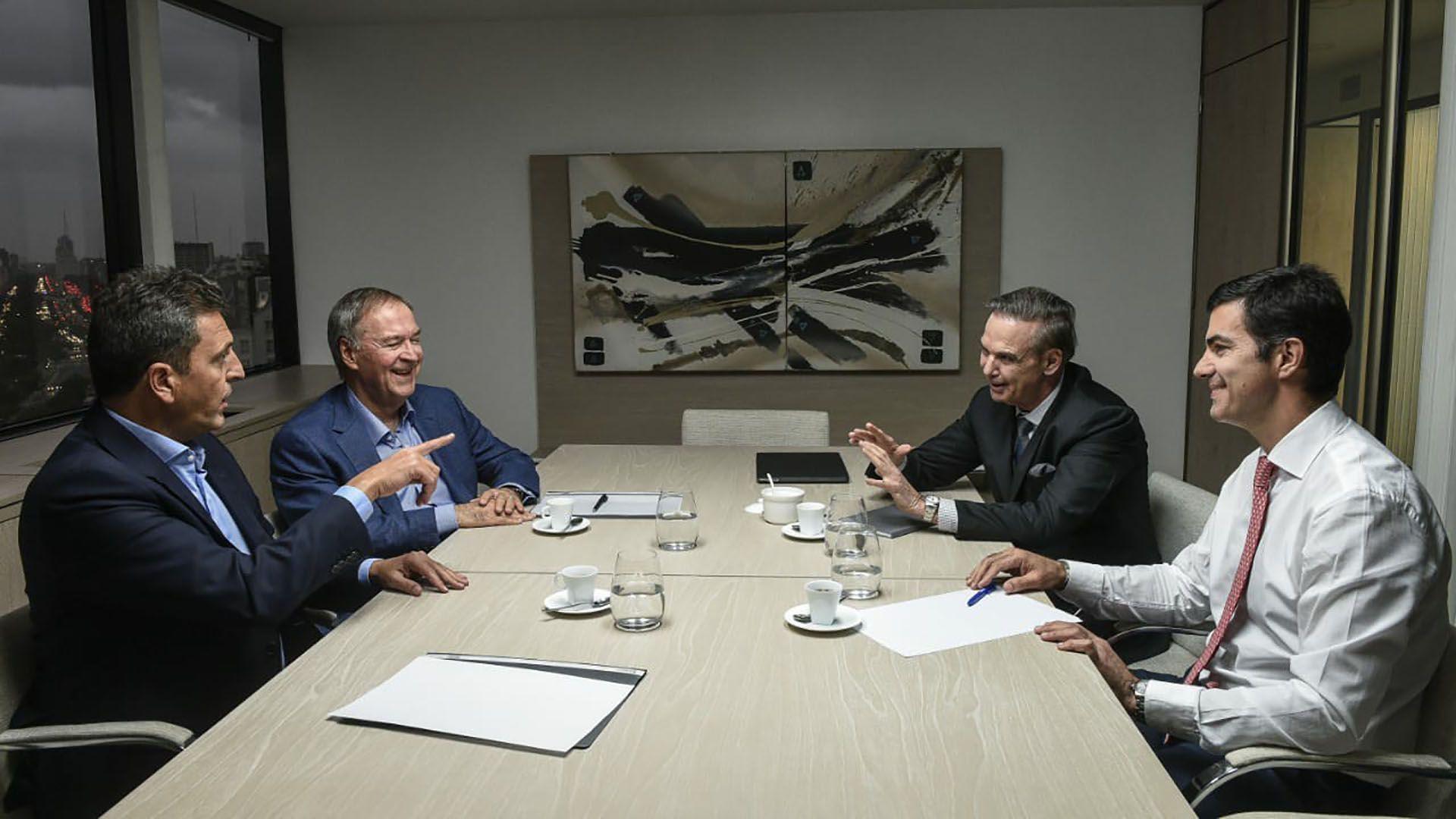 La foto cuando los tres dirigentes peronistas compartían Alternativa Federal con Juan Schiaretti