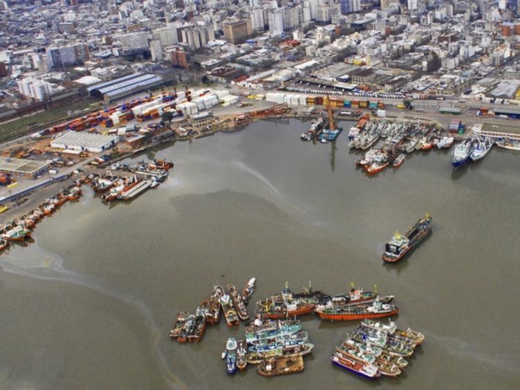 Montevideo cerró completamente el ingreso de buques de pasaje procedentes de Argentina.