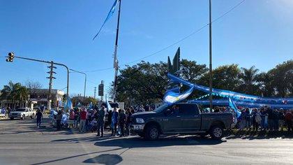 El banderazo también fue replicado en las redes sociales con videos y fotos