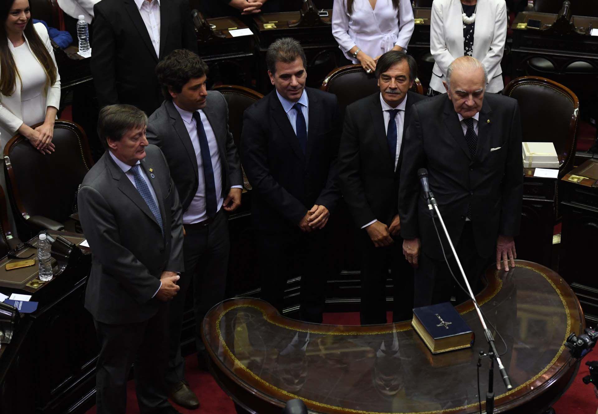 Cristian Ritondo será el presidente del bloque del PRO. A su izquierda, el radical Miguel Bazze
