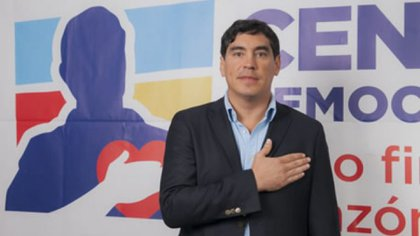 """""""Otro cobarde que pretende huir de la justicia"""": esta y otras reacciones a la renuncia de Álvaro Hernán Prada"""