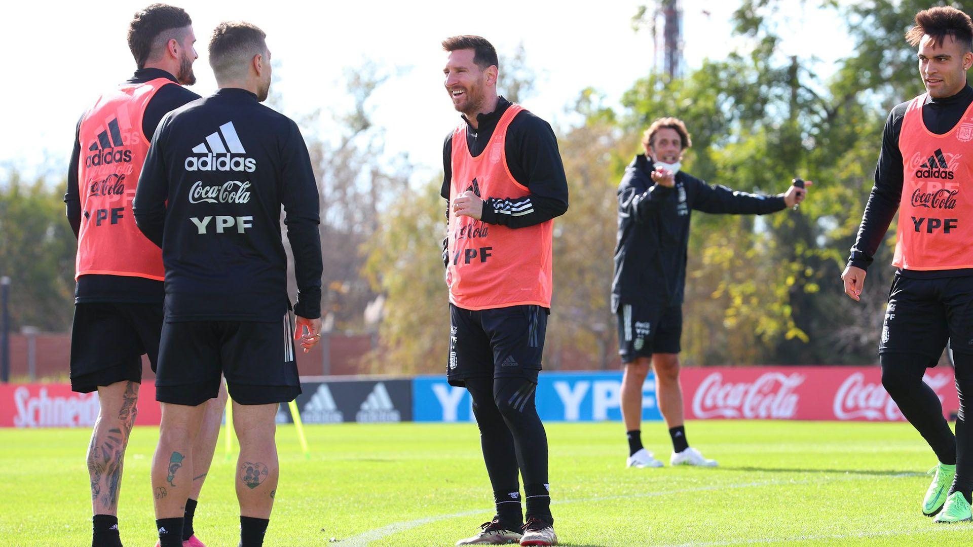 Seleccion Argentina Messi entrenamiento portada