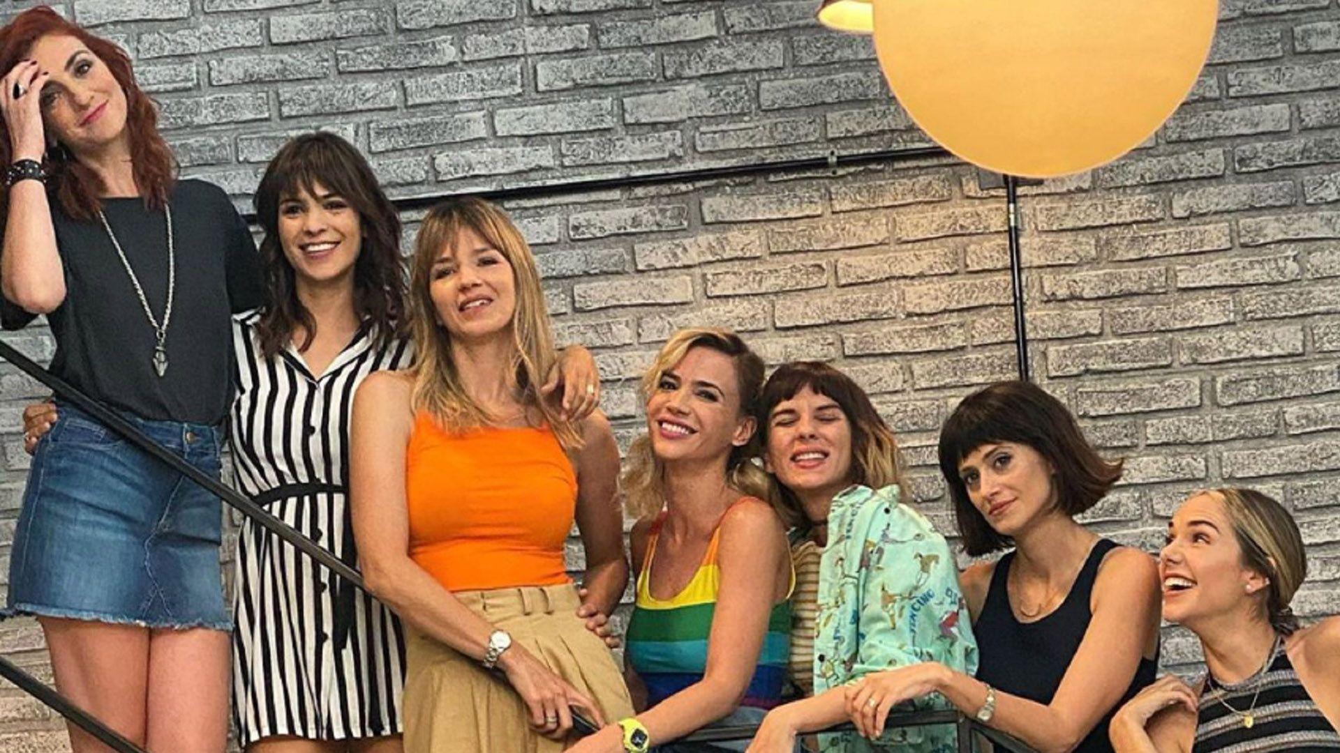 """Julieta junto a sus compañeras de """"Separadas"""""""