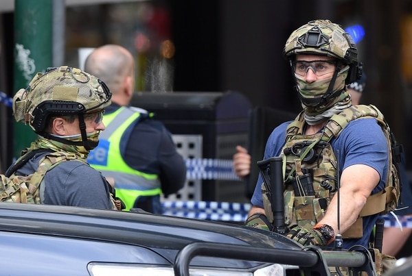 Fuerzas de seguridad australianas en el lugar del hecho (AAP/James Ross/via REUTERS)