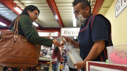 Lixa recordó que la pandemia de COVID-19 también le trajo problemas de sobreprecios a los mexicanos (Foto: Crisanta Espinosa Aguilar/ Cuartoscuro)