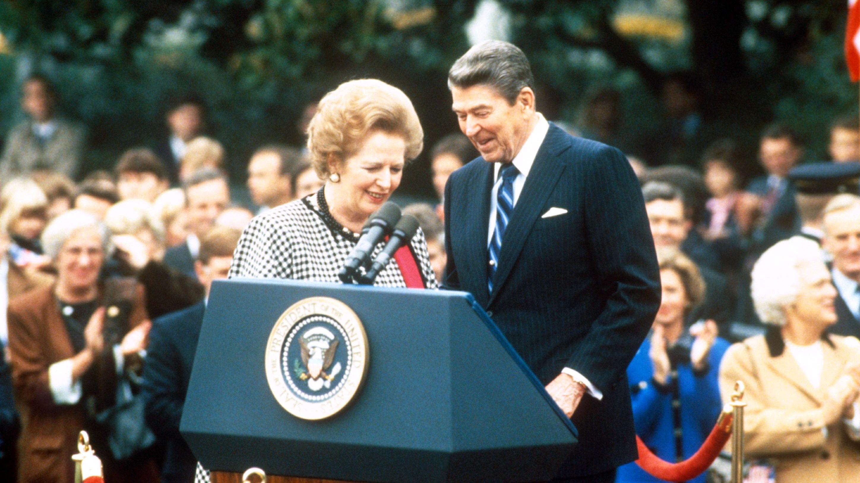 El gobierno de Reagan aprovechó la confianza de Argentina en las máquinas de la empresa Crypto, que en secreto era propiedad de la CIA, y canalizó inteligencia que ayudó a Margaret Thatcher durante la guerra de Malvinas. (Peter Heimsath/Shutterstock)
