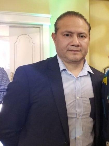 El dueño de la panadería La Piñata es Roberto Espiritu, egresado de la Academia de contabilidad en Tlaxcala, México. Ha radicado en Nueva York por más de 35 años y es presidente de la Cámara de Comercio México-Estadounidense de Yonkers, también es miembro de la Cámara de Comercio Hispana   Foto: (Facebook Yonkers Mexican-American Chamber of Commerce)