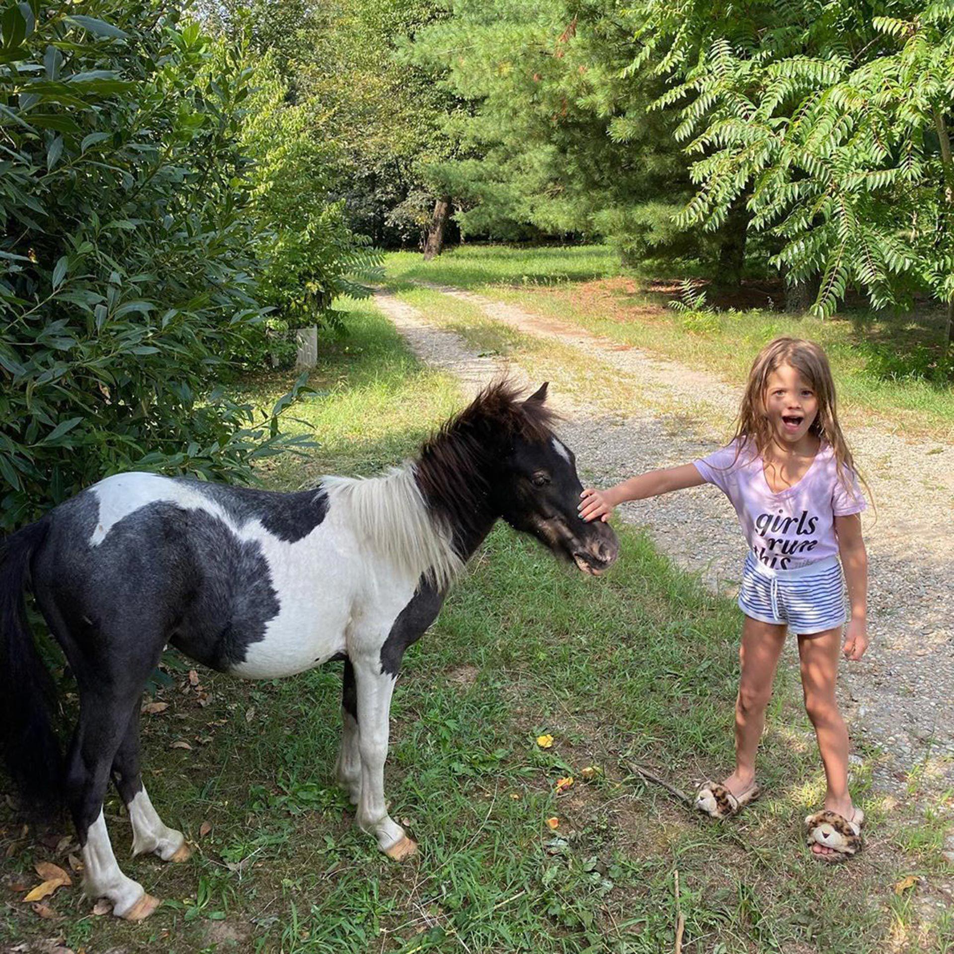 Wanda Nara le regaló un caballo a su hija Francesca