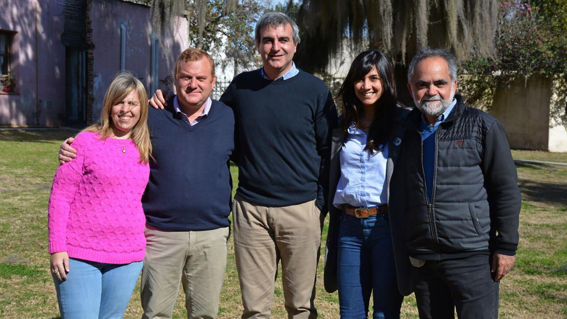 En el centro Francisco Durañona, junto a Nicolás Marinkovic y Mariano Pinedo