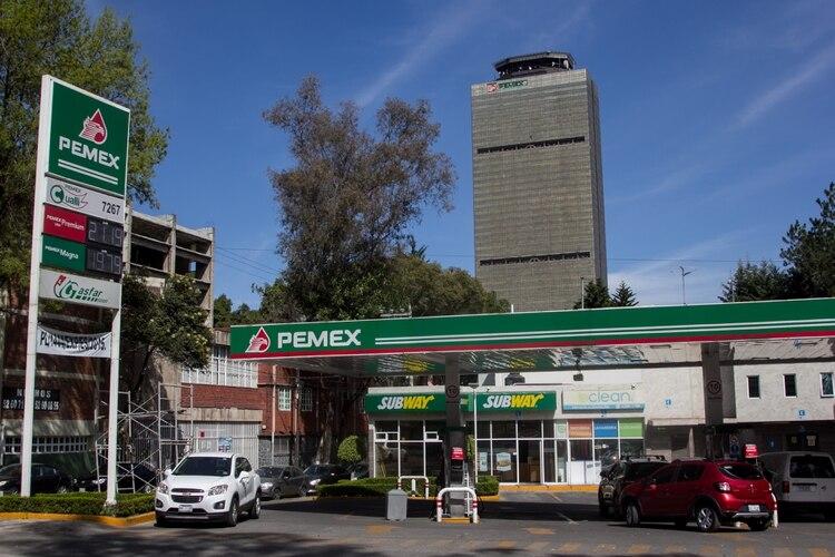 El precio del hidrocarburos en las estaciones de servicio ronda los 21 pesos(Foto: GALO CAÑAS /CUARTOSCURO)