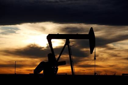 Un pozo petrolero en Loving County (REUTERS/Angus Mordant/archivo)