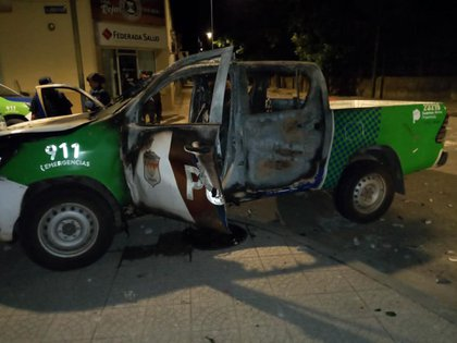 El día del crimen, una parte de la población de Rojas realizó un reclamo de justicia delante de la comisaría de la ciudad. Esa noche se provocaron graves incidentes