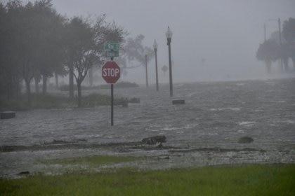 Inundaciones provocadas por el Huracán Sally en Pensacola, Florida. Tony Giberson/News-Journal/USA Today Network via REUTERS.
