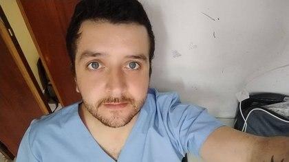 Sebastián Valle tiene 28 años y es uno de los sobrevivientes