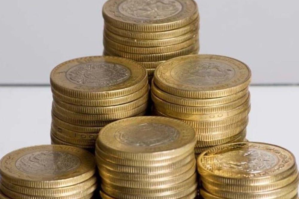 Monedas diez pesos (Foto: Twitter@XatakaMexico)