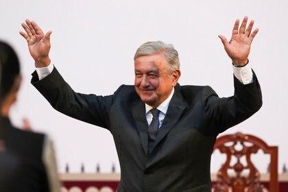 En una escala del cero al diez, López Obrador recibe una calificación de 6.6 puntos como presidente de México. Un 20.5% de los encuestados le da la máxima calificación y un 12% lo puntúa con un cero. (Foto: Reuters)