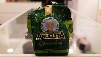 Yerba mate saborizada con hojas de cannabis (Adrián Escandar)