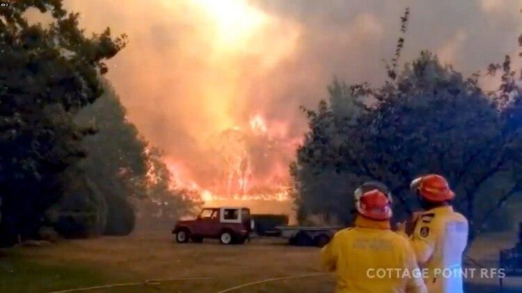 Un incendio en el estado de Nuevo Gales del Sur (Andrew Mitchell/Cottage Point Rural Fire Brigade via REUTERS)