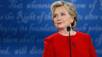 """Clinton respondió con dureza y se refirió a su extensa experiencia como Secretaria de Estado, un cargo que requiere mucha """"stamina"""" (Reuters)"""