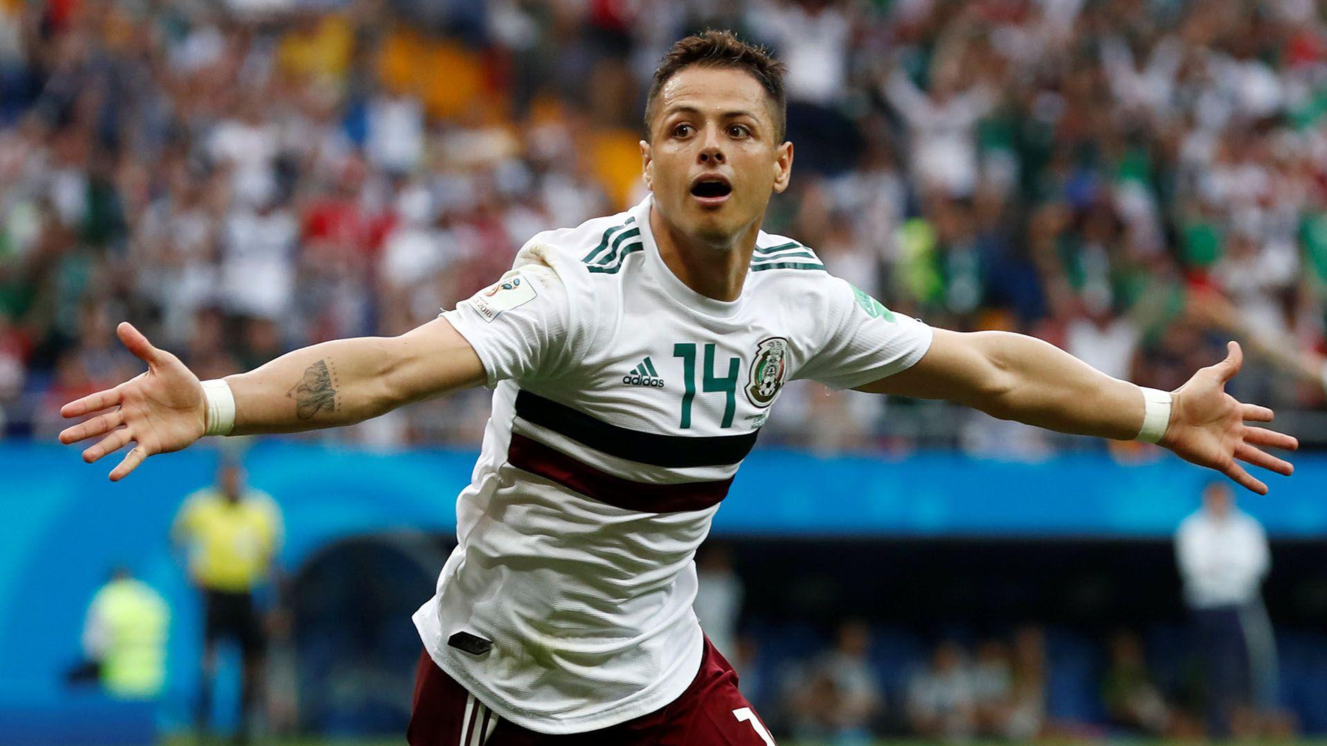 """""""Chicharito"""" firmó con el Sevilla por tres temporadas (REUTERS/Damir Sagolj)"""