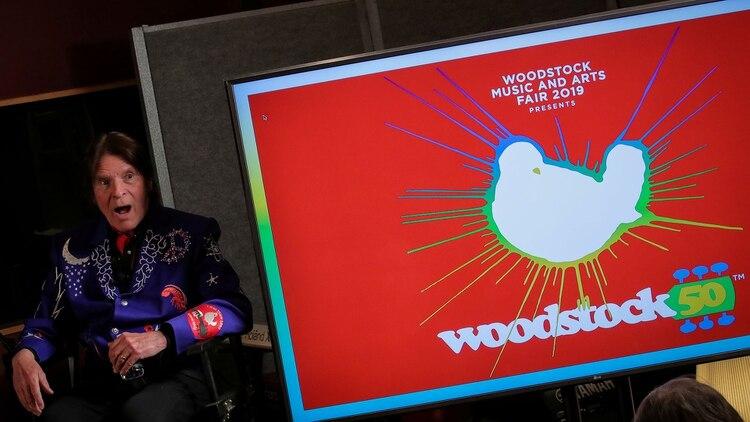 John Fogerty, el celebrado ex Creedence Clearwater Revival, habla durante el anuncio del evento, en marzo de este año. REUTERS/Brendan McDermid/File Photo