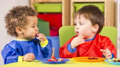 El 75 % de las madres británicas introducen sólidos en la dieta de sus hijos antes de los cinco meses (iStock)