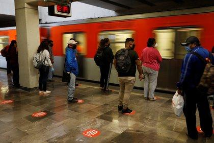 El Sistema de Transporte Colectivo Metro reanudará el servicio en todas las líneas a partir del 15 de junio, pero de forma gradual (Foto: Reuters/Carlos Jasso)