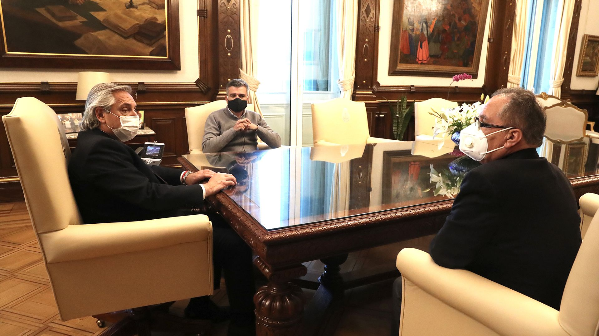 Juan Zabaleta (Hurlingham) y Alberto Descalzo (Ituzaingó).  se reunieron con Alberto Fernández