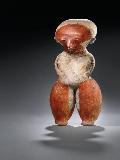 PERSONAJE CHINESCO FEMENINO, LAGUNILLAS, 100 a. C -250 d. C. Precio estimado: EUR 30,000 - EUR 50,000
