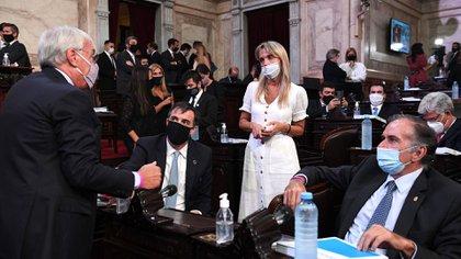 Los legisladores de Juntos por el Cambio Alvaro González, Esteban Bullrich, Gladys González y Humberto Schiavonni