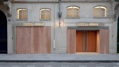 La vidriera de la casa italiana Giorgio Armani