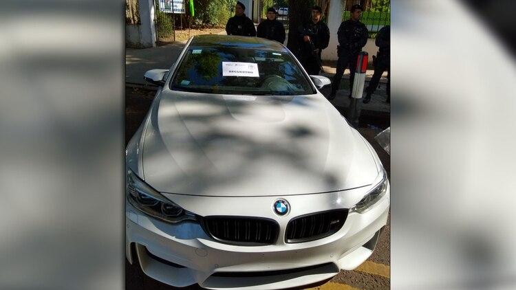 El yate con el fiscal Paul Starc y Cristian Ritondo a bordo y el BMW M4 a nombre de Avanzi.