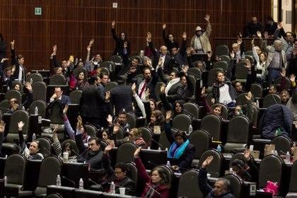 Los diputados de Morena, Partido Verde y algunos del PRD aprobaron el presupuesto 2019. (Foto: Cuartoscuro)
