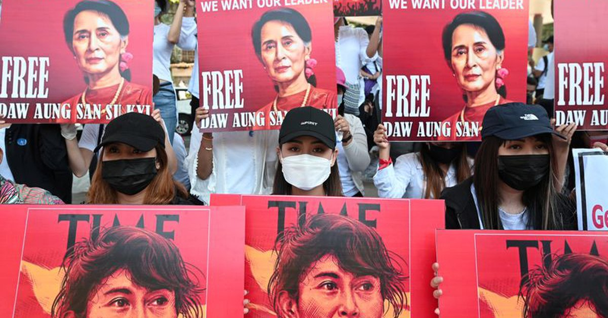 Burmese leader Suu Kyi will remain in Pretrial Detention until Wednesday, according to her Lawyer