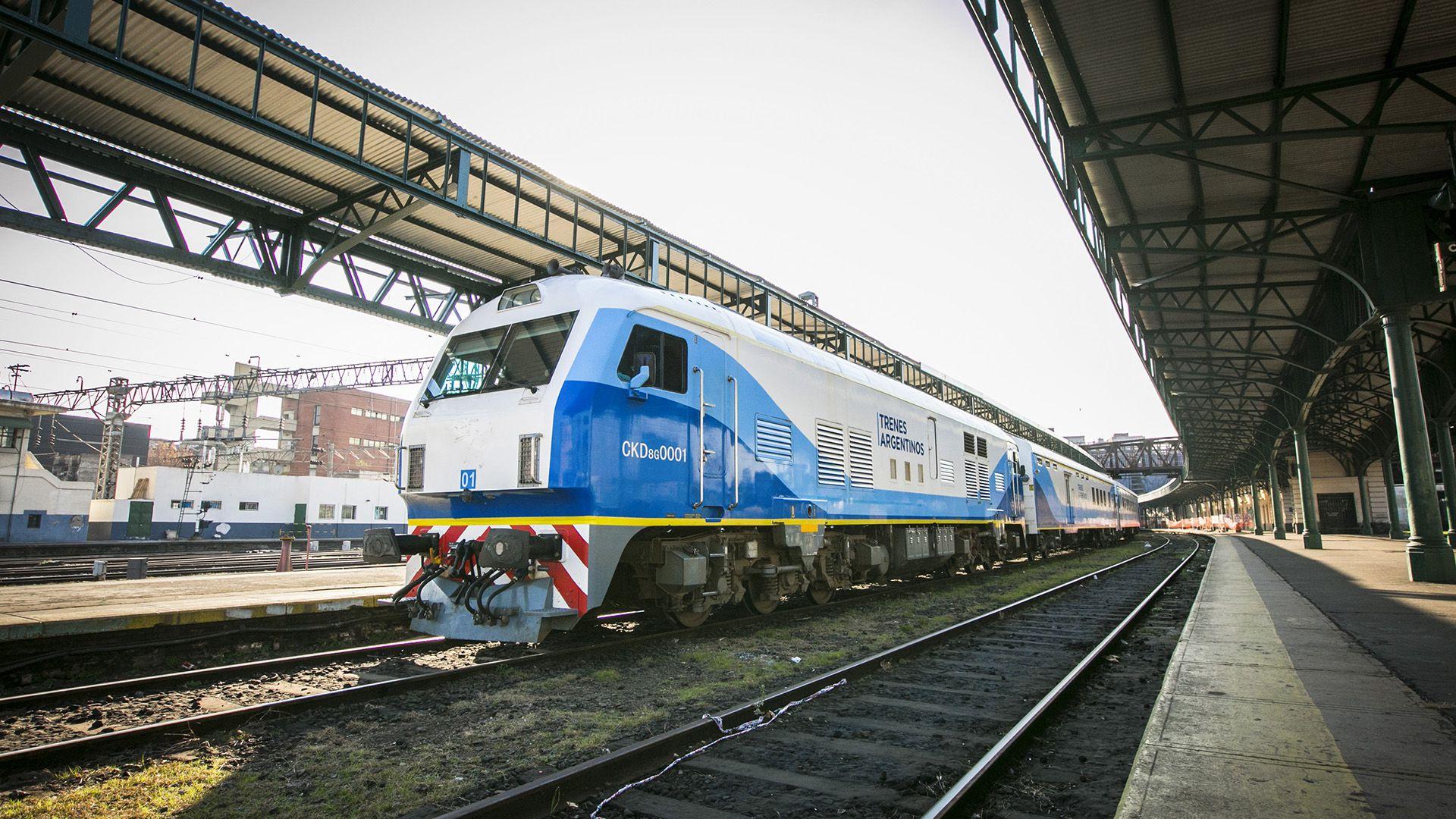 Desde este lunes, el tren que une Buenos Aires con Mar del Plata contará con tres frecuencias diarias