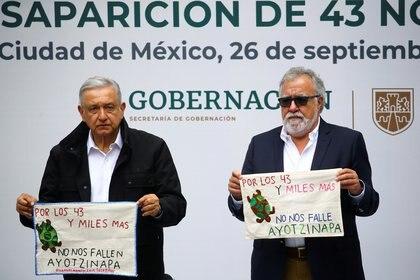 À l'occasion du sixième anniversaire de la disparition des 43 normalistes d'Ayotzinapa, le président Andrés Manuel López Obrador a assuré qu'il y aurait justice et a révélé qu'il y avait déjà des mandats d'arrêt contre certains soldats qui auraient participé aux événements (photo du dossier: REUTERS / Edgard Garrido)