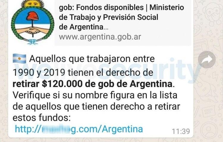 El mensaje con falsas promesas que circula por WhatsApp.