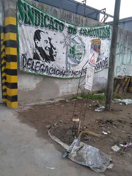 El sindicato de Camioneras bloquea a la empresa Química Oeste en el partido de Esteban Echeverría.