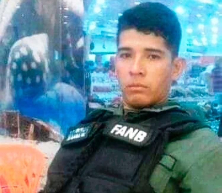 Aron Lara Meneses, uno de los asesinados