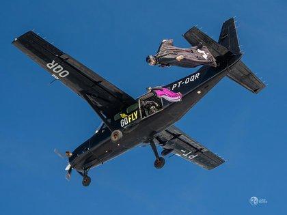 Montagna reveló que tiene más de 3.700 saltos con paracaídas