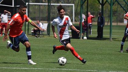 Flabian Londoño Bedoya es colombiano y tiene como espejo a Radamel Falcao García (cariverplate)