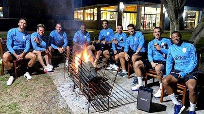 El plantel de Uruguay compartió un asado el pasado domingo (@LucasTorreira)