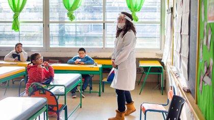 Los cursos tendrán menos alumnos por el distanciamiento (AP)
