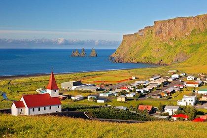 El gobierno islandés actualizó su consejo el 16 de agosto, señalando que todos los pasajeros que lleguen a Islandia a partir del 19 de agosto pueden optar por someterse a una doble prueba de COVID-19 o estar en cuarentena durante dos semanas (Shutterstock)